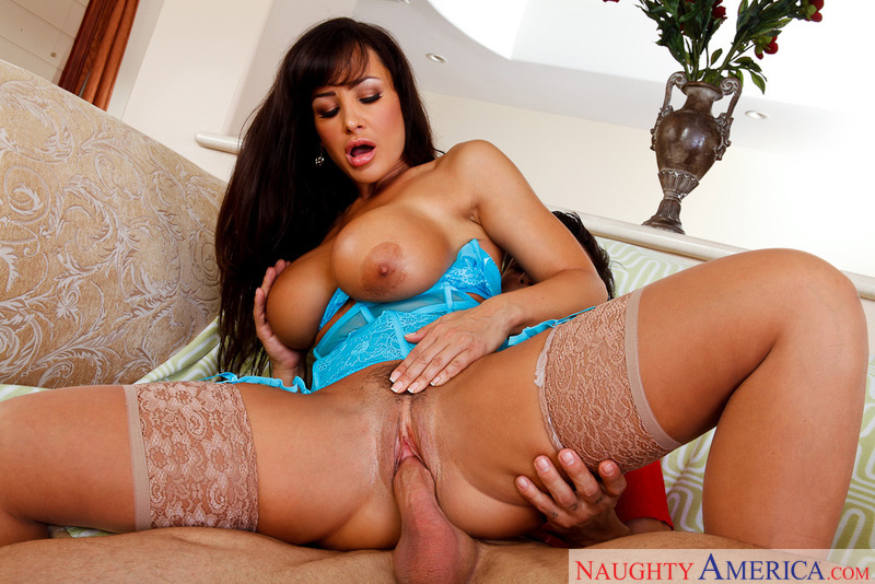 Lisa ann looking for chat porno