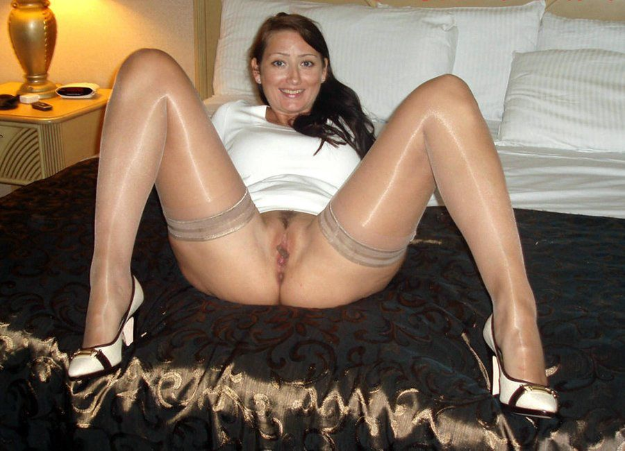 Hippie teamskeet archives page facesitting photo 1