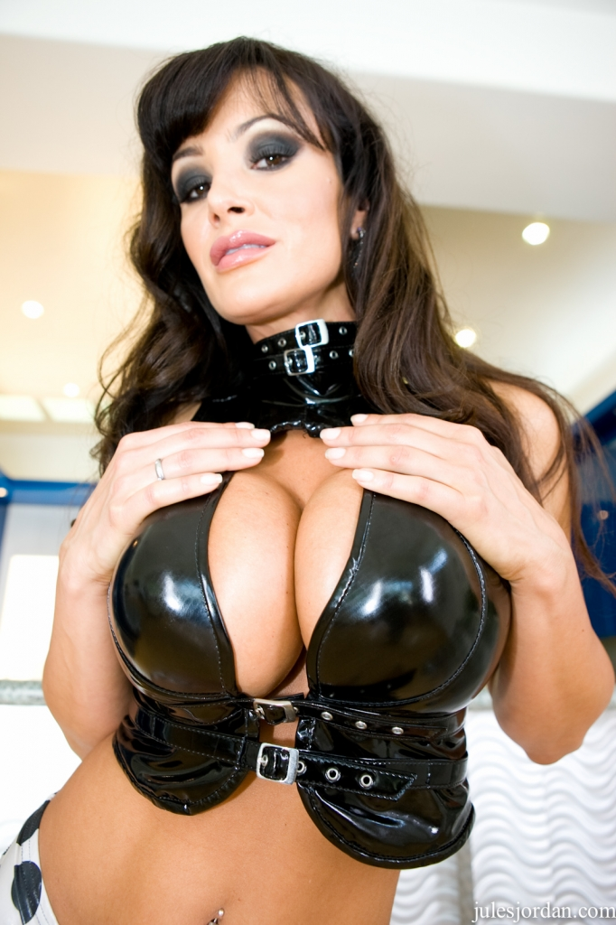 Lisa ann looking for chat porno photo 1