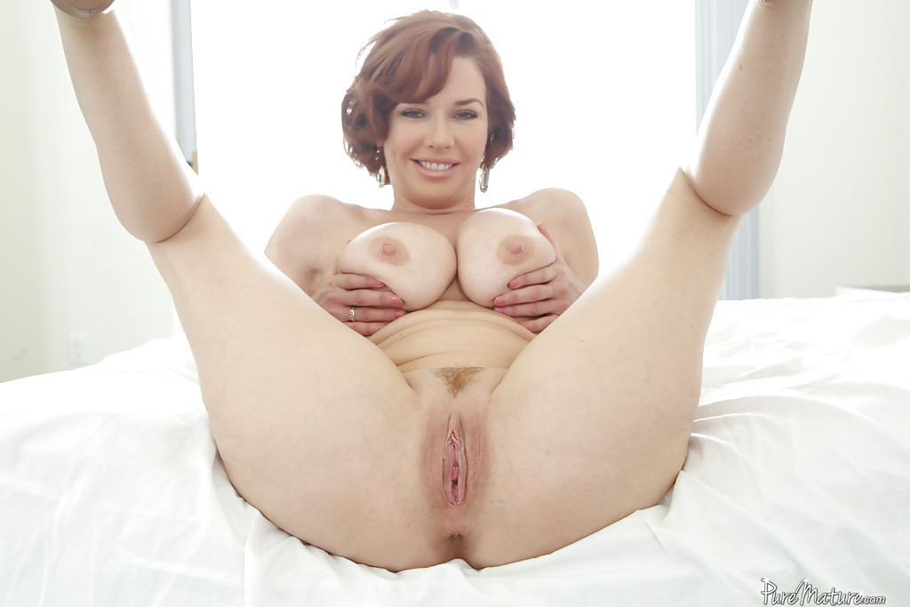 Natural fingering her veronica avluv photo 1